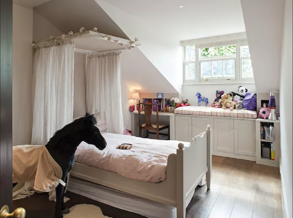 12 Canopy Bed Ideas For Girls Bedroom